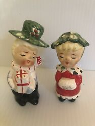 Vintage Christmas Holly Couple Salt And Pepper Shakers Japan