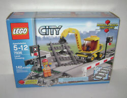 New 7936 Lego City Train Level Crossing Tracks Limited Ed Building Toy Retired A