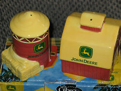 John Deere Salt And Pepper Shakers On The Farm Edition Barn And Grainery