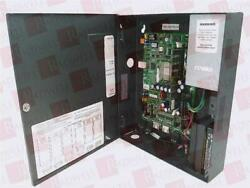 Schneider Electric Unc-520-2 / Unc5202 Used Tested Cleaned