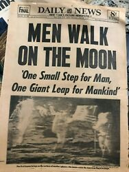 APOLLO 11 JULY 21 1969  NEIL ARMSTRONG MEN WALK ON THE MOON NEW YORK DAILY NEWS