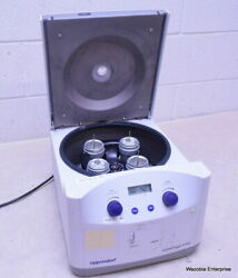 Eppendorf Centrifuge 5702 With Rotor A-4-38