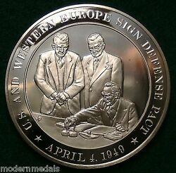 U.s. And Western Europe Sign Defense Pact Nato 1949 Franklin Mint Bronze Medal