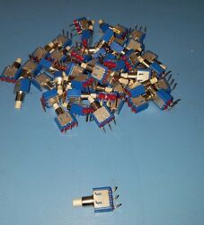 50 Apem Through Hole Spst Momentary Pushbutton Switches 125vac 30vdc 18235