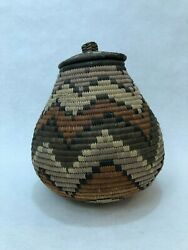 Vintage Hand Woven Traditional African Zulu Basket W Lid, 8 1/2 Tall, 7 Widest