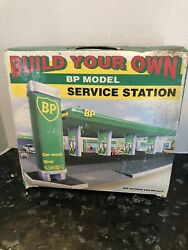 Vtg Bp Model Service Station Center Gas Station Build Your Own Edition Ca 1995