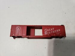 Athearn Ho 50' Great Northern Shell Only Missing 3 Stirrup Steps