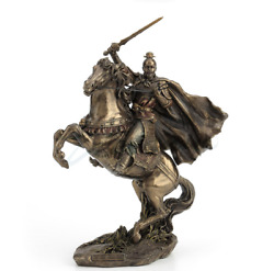 Modernart Sculpture Resin Personage Caocao Ride Horse Run At Full Speed Statue