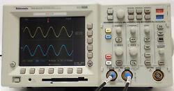Tektronix Tds 3032b 2 Ch Oscilloscope 300 Mhz 2.5 Gs/s W/ Tds3trg And Tds Fft