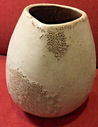 Russel Wright Bauer 9 Tall White Volcanic Vase With Concentric Ringed Bottom