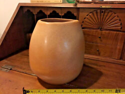 Bauer 9 Tall Tan Russel Wright Vase With Concentric Ringed Bottom