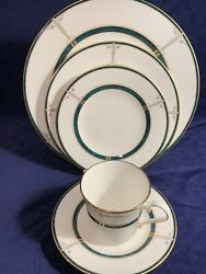 Mikasa Dinnerware Dishes Service For 8 Christmas Emerald Green And Gold