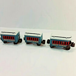 Lionel The Polar Express Little Lines Lot Of 2 Passenger Cars And Observation Car