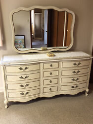 Dixie French Provincial Bedroom Set Excellent Condition