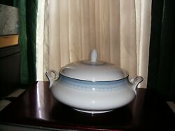 Htf Early 1970's Royal Doulton Lorraine H5033 Covered Vegetable Bowl