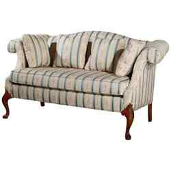 Antique Hickory Furniture Company Queen Anne Mahogany Settee 20th Century