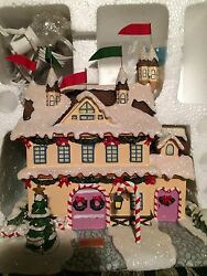 Rudolph Christmas Village Santa And Mrs Claus's Castle Hawthorne W/certificate