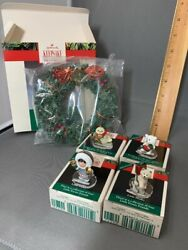 1990 Hallmark Little Frosty Friends Memory Wreath And Lot Of 4 Ornaments