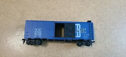 Athearn Ho Boston And Maine 40' Box Car 74005 Missing 2 Stirrup Steps