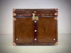 Trunk Leather Trunk. Antique Travel Luggage Trunk Coffee Table Side Table