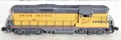 ✅red Caboose Union Pacific Gp-9 Diesel Engine W/ Lionel Type Couplers O Scale