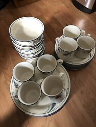 Lenox Poppies On Blue Service For Eight Plus Platters Serving Bowl Free Shipping