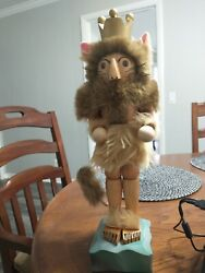 Steinbach 17 In Lion King Nut Cracker Sighned