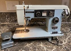 Dressmaker Swa-2000 Sewing Machine Vintage Deluxe Zig Zag J-a58 Blue Tested Used