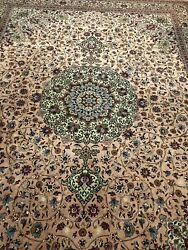 Oriental Rug Hand Knotted 9x12 Very Excuisit Rug. Absolutely Gorgeous. Perfect