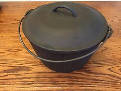 Vintage Lodge 8 Flat Bottom Cast Iron Kettle With Lid