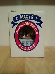 1999 Macyand039s Thanksgiving Day Parade Musical Snow Globe Twin Towers Nyc
