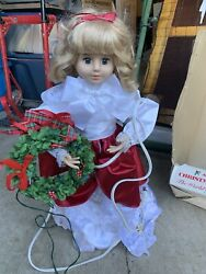 Telco Motionettes Of Christmas Caroler Girl With Illuminated Wreath And Box