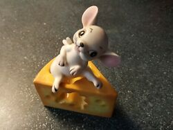 Vintage Mid-century Salt And Pepper Shakers Mouse And Cheese Made In Japan