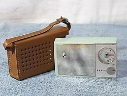 Sanyo 6c-8 Tested Working Transistor Radio With Leather Case Antique