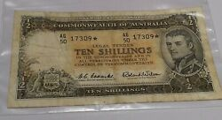 Australia 1961 . Ten Shillings Banknote . Collectorand039s Starnote Coombs And Wilson