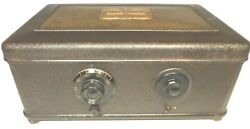 Vintage Late Style Atwater Kent 46 Breadbox W/ 0 Tubes And Power Supply Untested
