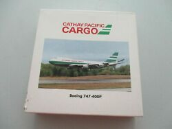 1500 Herpa Wings 500784 Cathay Pacific Cargo Boeing 747 - 400f First Version