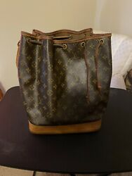Louis Vuitton Preowned Authentic Hand Bag $600.00
