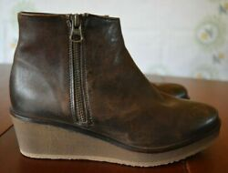 Eric Michael Leather Side Zip Distressed Brown Ankle Boots Size EU 36 US 5.5 6 $29.99