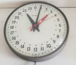 Mid Century Simplex 507-029 24-hour Military Time 4th Hand Electric Wall Clock