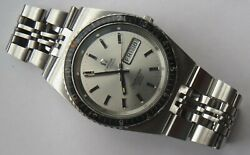 Omega Seamaster Cosmic 2000 Diver Automatic Mens Wristwatch Steel Case