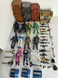 """4"""" Fortnite 10 Action Figure Lot 29 Accessories/weapons Tons Of Materials Chest"""