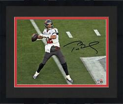Frmd Tom Brady Buccaneers Super Bowl Lv Champs Signed 8 X 10 Action Photo