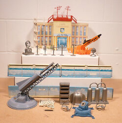 Marx Cape Canaveral Playset W/building Figures Launchers Rockets And More Nice