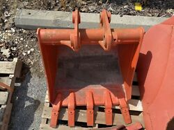 Kubota BT3004A 24quot; Pin On Trenching Bucket for L39 L45 L47 Tractors $850.00