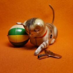 Vintage Made In U.s. Zone Germany Kohler Tin Wind Up Cat W Ball Toy With Key