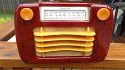Sentinel Model 284 Wavy Grill Catalin Radio. Beautiful Red And Yellow. Plays