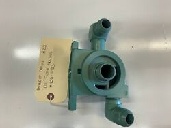 Detroit Diesel 8.2l Oil Filter Housing 250-11153 Used / Good Condition / Sold As