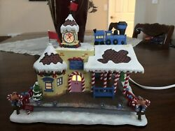 Hawthorne Village Rudolph's Christmas Town Train Station W/box And Coa 79079 2004