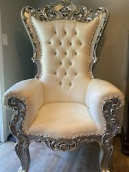 Silver Baroque Hand Carved Queen Throne With White Vinyl And Crystal Buttoning